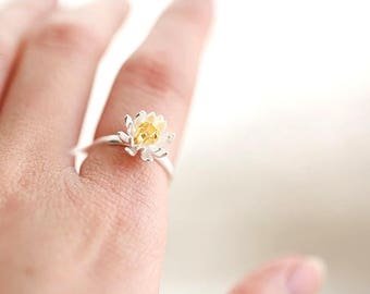 Daisy Ring Silver, Stackable Ring, Sterling silver Ring, Tear Drop Ring, Solitaire Ring