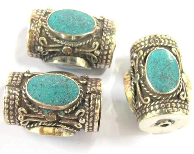 1 Bead -  Large ethnic tibetan silver bead with 3 sided turquoise inlay from Nepal - BD828