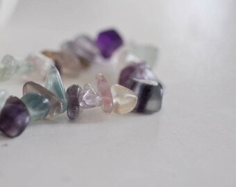 Approximately 160 beads/chips natural fluorite - 90 cm - not dyed