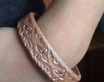 Delicate natural tooled leather bracelet pearl topcoat snap closure - 1/2 inch wide - diffuser bracelet for aromatherapy