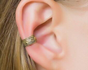 delicate ear cuff. minimalist ear cuff. gold ear cuffs. cuff earrings. gold ear crawler. cuff earrings. ear cuffs. non pierced earrings