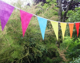 Rainbow Bunting: 5m colourful, economic party bunting