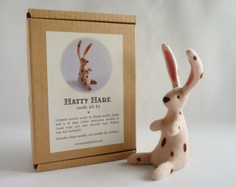 Needle felt hare kit with detailed instruction booklet (inches and cm), 4x needles and wool bundle - make your own adorable spotted hare!