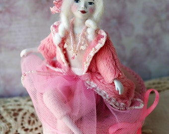 Handmade art doll - OOAK mini doll - miniature doll Lili, shabby chic, rosy, home accents, Valentines day gifts, pink interior - 5 inch