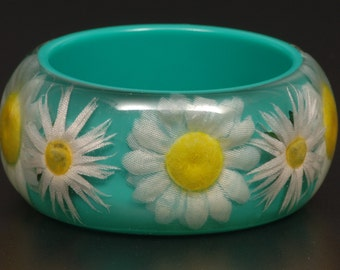 Vintage Chunky Lucite Bracelet with Embedded Flowers