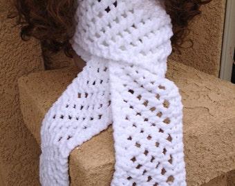 Lattice Stitch Scarf - a loom knit pattern