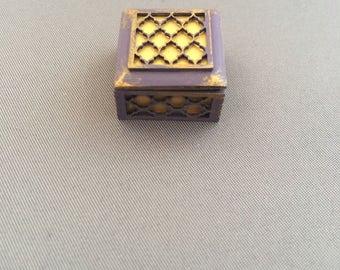 Miniature trinket box for your dollshouse