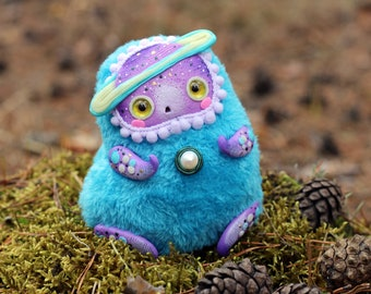 Ooak creature doll fantasy glow toy ooak collectible doll glow Saturn art doll fantastic toy