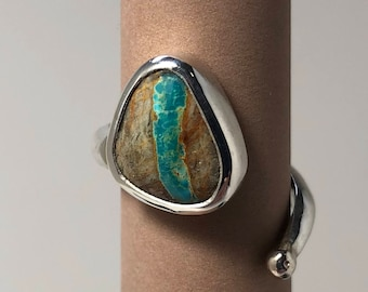 Silver and ribbon turquoise ring