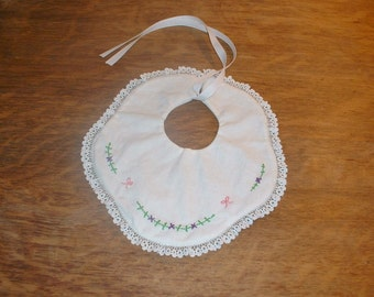 Delicate baby bib, embroidered baby bib, lace bib, new born gift, handmade baby bib, embroidery, new born, baby girl gift,heirloom gift,baby