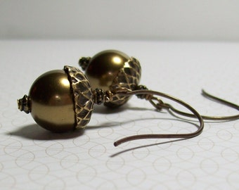 Brass Acorn Earrings. Swarovski Pearl Earrings. Brass Acorns. Natural Brass Earwires. Nature. Earth. Autumn. Fall Jewelry.
