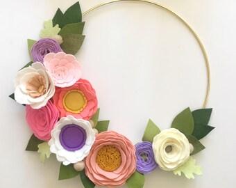 FELT FLOWER WREATH // Floral Wreath// Nursery Decor // Modern Wreath // Gold Hoop Wreath // Flower Wreath // Wreath Decor
