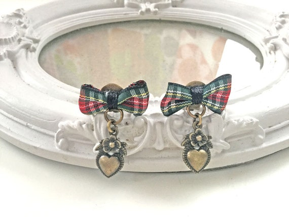 Outlander Heart and plaid bow dangle clip on earrings romantic gothic