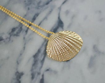 Gold or Silver Shell Necklace | Sea Shell Pendant | Clam Seashell Necklace | Pearl Shell Jewellery