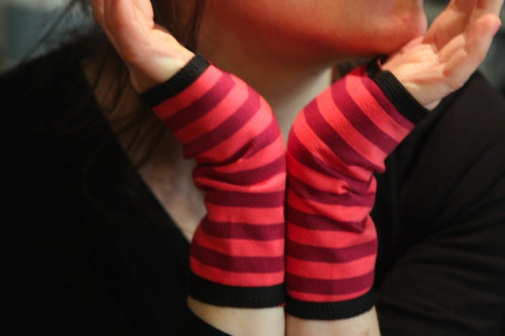 Short cuff to bicolor pink striped cotton jersey