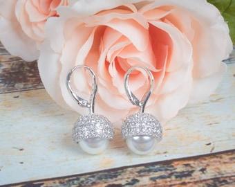 Pearl Dangle Earrings | Pearl Earrings | Bridesmaid Earrings | Bridal Earrings | Wedding Jewelry | Drop Earrings | Pearl Jewelry | Pearl
