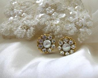Bridal Pearl Earrings Golden Rhinestone Wedding Earrings Vintage Style Wedding Pearl Stud Bridal Earrings Victorian style Bridesmaids 1920s