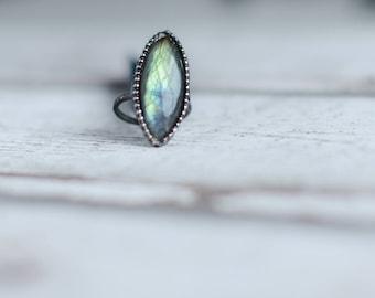 Labradorite ring in size 8,4 US (58mm)