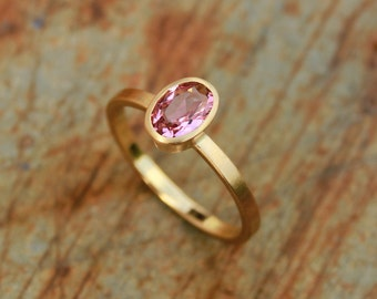 18k ring with tourmaline