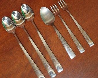 ONEIDA FERNWOOD with leaves stainless flatware vintage silverware BIN 43