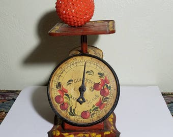 Antique Columbia Family Kitchen Scale Landers Frary And Clark Hand Painted And Artist Signed  One Of A Kind