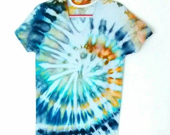 Ice Dye Spiral Tee Shirt men's size Small in Blue Grey Ivory