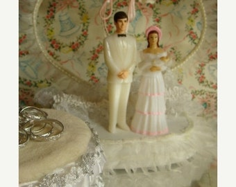 ONSALE One Vintage Wedding Cake Topper With Children