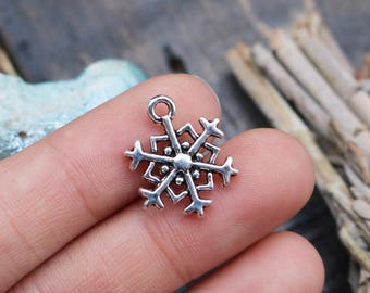 set of 10, snowflake charms, antique silver, metal charms, 18mm x 14mm, winter charms, holiday season charms, gift tag charms,