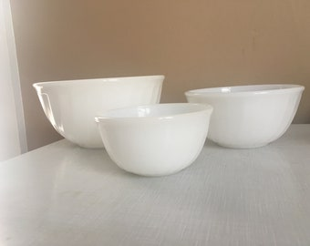 Vintage FireKing Nesting Bowl Set w Swir Pattern