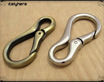 Carabiner key ring / multipurpose clothing, available in 2 colors.