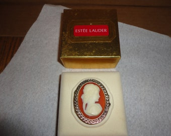 SALE ! Vintage Estee Lauder Cameo portrait solid perfume compact - Youth Dew - unused - in box