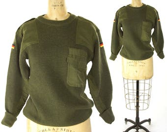 """80s Army Sweater / Vintage 1980s Green Wool Pullover Knit with Elbow & Shoulder Patches / US Military Unisex 42"""" Chest"""