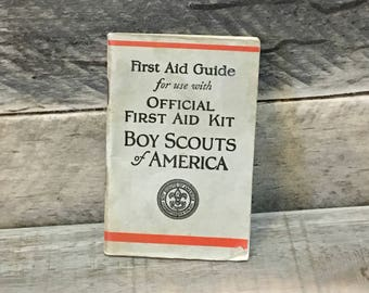 1932 Boy Scouts of America (BSA) First Aid Guide