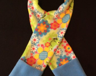Child's Fleece Scarf with Pockets - Frogs and Flowers!