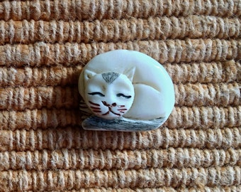 Adorable Carved Bone Sleeping Cat Bead - White with Black Tail