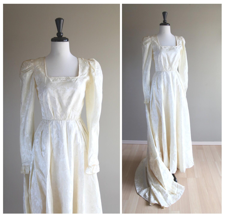 Cream Wedding Gown: Stunning Vintage Cream Ivory White 1960s Wedding Gown / Dress