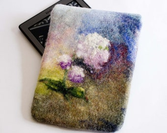 Felted Kindle Case, Kindle Paperwhite, Voyage blue green felted e-reader Sleeve, pink flowers hydrangea, magnetic snap gift for her under 35