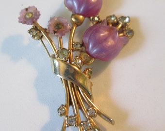 Vintage lavender purple plastic and gold metal flower with crystals brooch used no markings
