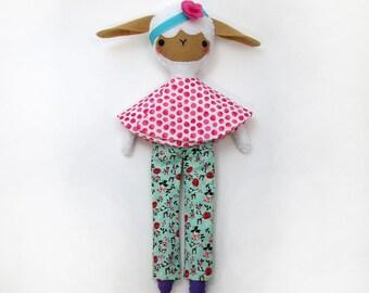 Lamb Sewing Pattern, PDF Doll Pattern, Lamb Toy Ornament, Lamb Figurines, Lamb Theme, Lamb Toy Pattern, Lamb Plush PDF, Lamb Party Toy PDF