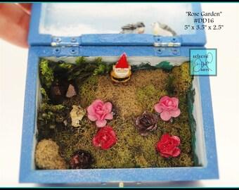 """Gnome Rose Garden Diorama Box, DD16 """"Rose Garden"""""""