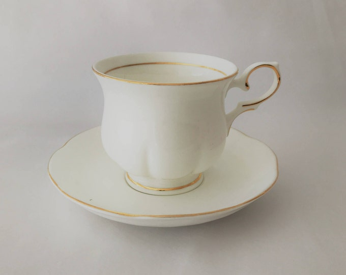 Cup and saucer Cambridg Garden Collection-Fine porcelain bone