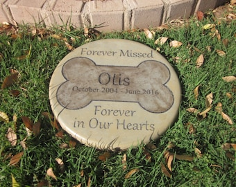 """Engraved Pet Memorial 11"""" D  'Forever Missed Forever in Our Hearts'"""