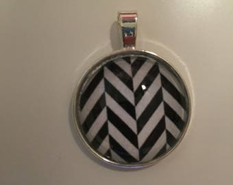 Pendant - Geometric Black & White
