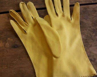 Yellow vintage gloves, Vintage gloves for wedding/prom/costume