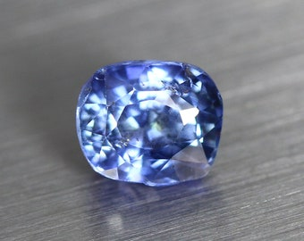 1.614ct Unique High End Earth Mine Certified Unheated Ceylon Royal Blue Sapphire