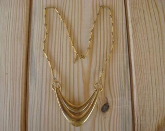 """Vintage Crown Trifari 18"""" Gold Tone Necklace (C)"""