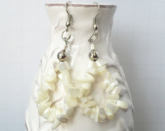 Ivory earrings, Cream Dangle Earrings, Cream Earrings,  Cream Beaded Earrings, Teardrop Earrings, Cream Chip Bead Earrings