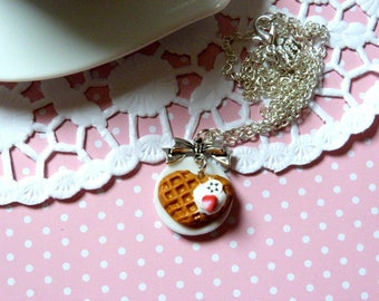 Necklace gourmet waffle whipped Strawberry and banana