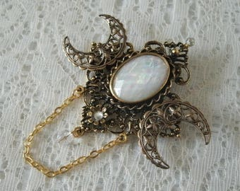 Triple Moon Goddess Brooch Or Cloak Pin, wiccan jewelry pagan jewelry wicca jewelry goddess jewelry witch witchcraft gold wiccan brooch
