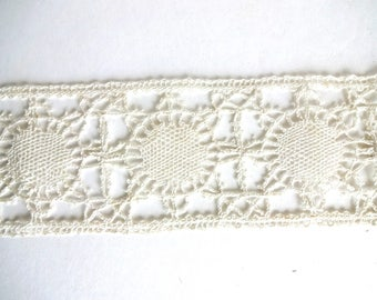 Vintage Antique French Hand-Made Bobbin Lace